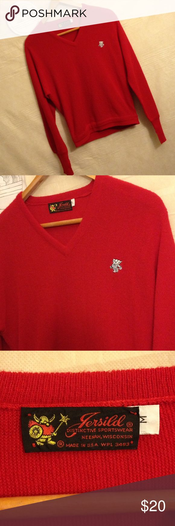 Vtg Wisconsin Badgers v-neck sweater size M Used sweater with no holes, rips or tears shipping from smoke free environment, thank you.  SKU 120316.001.00Y jersild Sweaters V-Neck