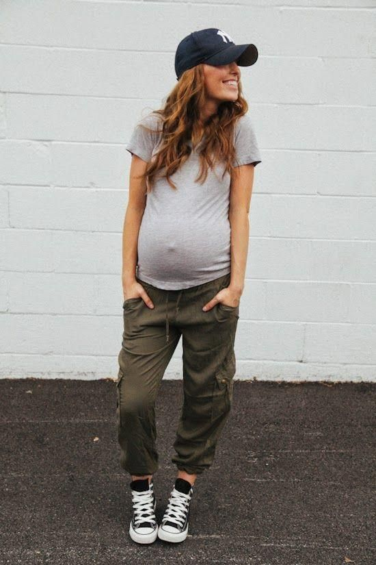 Casual Fashion Pregnancy maternity Look Cargo Pants Converse Grey Tee Cap