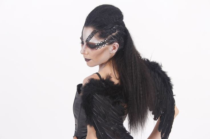 Evil Fairy Queen. Awesome, punky hair style, fantasy make-up, black wings, little black outfit, black corset, black mini-skirt