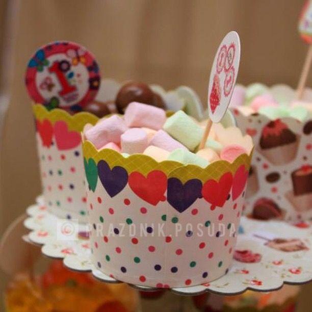 Формочки для кексов и младостей , топперы , подставка для кексов , этажерка , капсулы для кексов