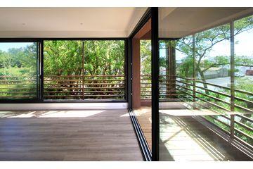Réalisé par l'agence d'architecture Laboratoire Architectures et paysage  Extention - Salle de yoga Retrouvez la fiche sur Archidvisor