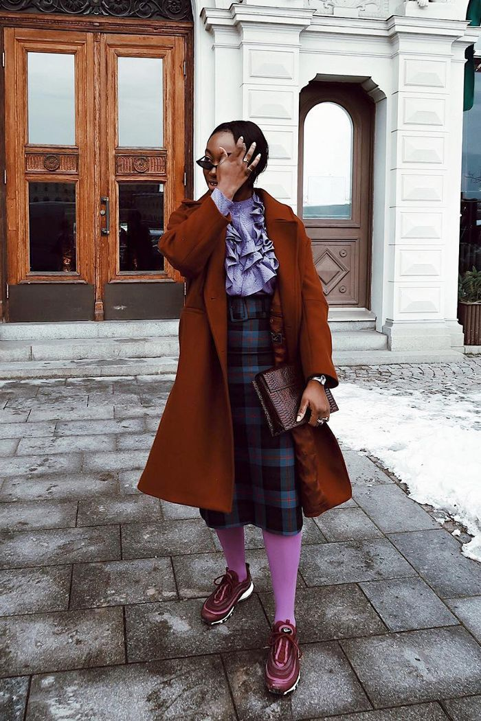 Incorporating tights, thick socks, and knee-high socks in all your outfits with skirts can still be so stylish. These cool outfits are proving our point.