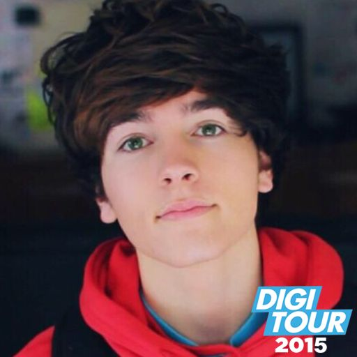 Hey guys I'm Paul Zimmer. I'm Danny's best friend! I'm 18, a youtuber, and single as well *smiles* anyone wanna show me around?