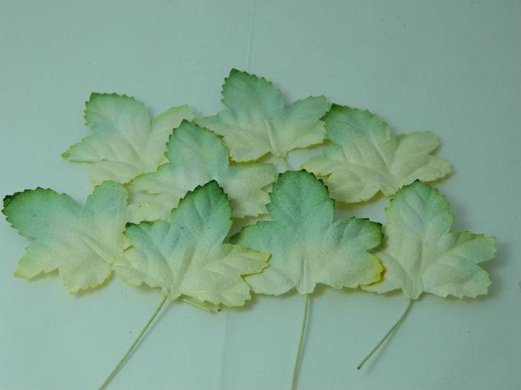 Maple Leaves 2 tone 45mm (20pk)