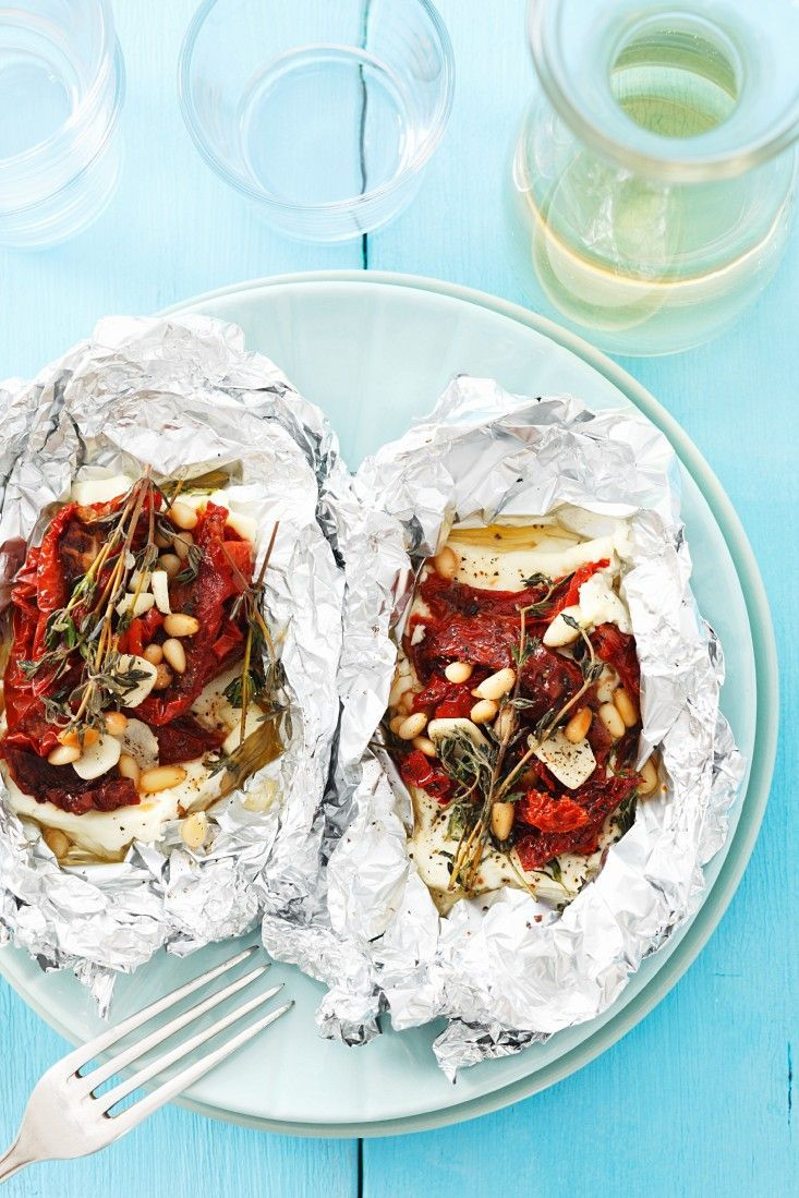 Feta mit Tomaten gegrillt | http://eatsmarter.de/rezepte/feta-mit-tomaten-gegrillt