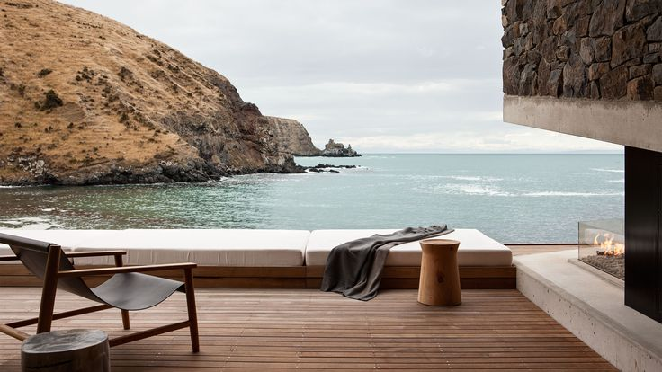 Seascape retreat by Pattersons Associates Architects
