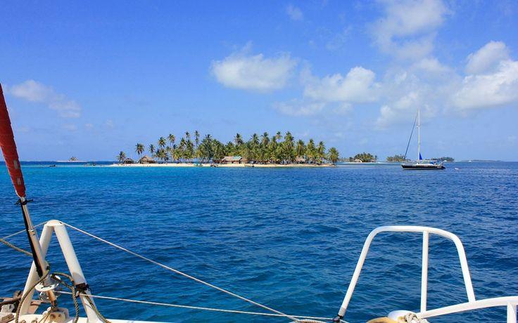 Il modo più semplice per scoprire San Blas è organizzare le proprie vacanze in barca a vela ai Caraibi nelle calde e tranquille acque dell'arcipelago.