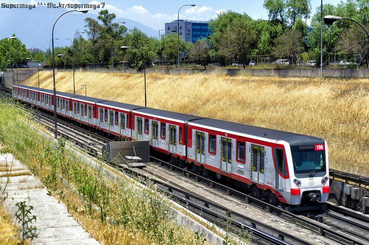 Metro de Santiago | Neptuno - Pajaritos (L1) | CAF NS-07 (N2108)