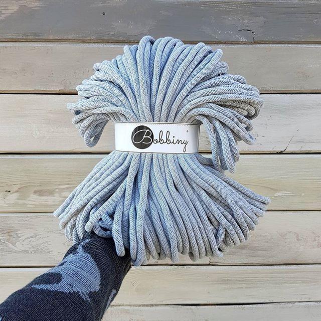 New jumbo cords  available on www.bobbiny.com #bobbiny #macrame #jumbo #cord #rope #modernmacrame #macro #makrame #crochet #crochetxxl #chunkyyarn #gigante #knittersofinstagram #knitting #cotton #cottoncord #new #handmade #craft #diy #planthanger #wallhanging #plants #rękodzieło #recznierobione #sznurek #szydełko #madetocreate #bobbinyjumbo