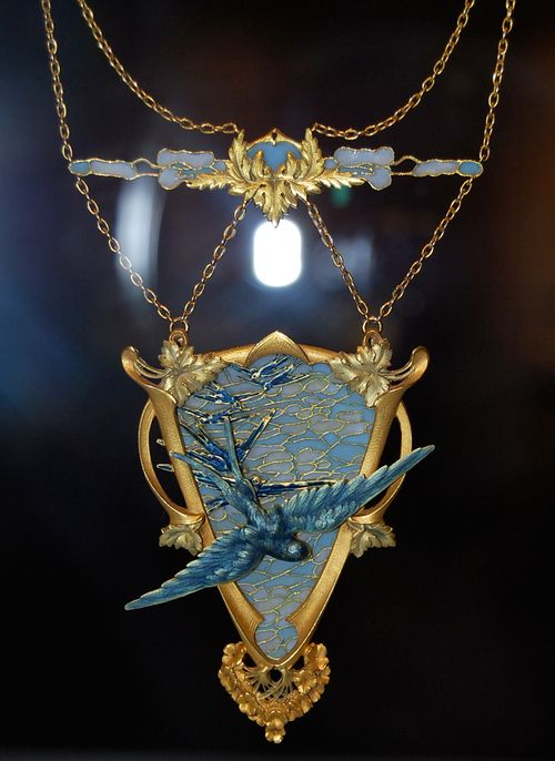 Blue swallow necklace — Victor Gerard, Frence, retailed by Louchet, c. 1900.