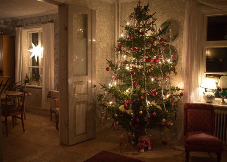 Swedish christmas decorations // Christmas tree