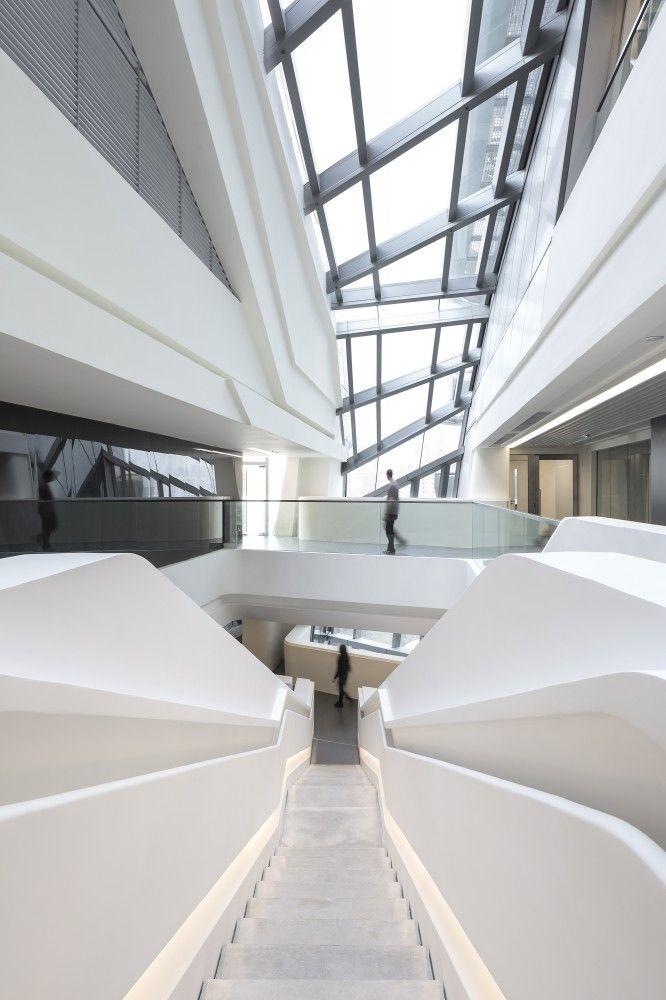 Torre de Innovación Jockey Club/ Zaha Hadid Architects