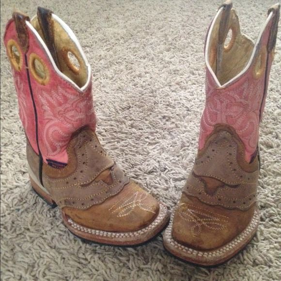 Toddler Cowgirl Boots size 5. Only worn like 3 times! They are brand new basically! I paid $85 for these but my daughter grew so fast she barely got a chance to wear them. I LOVE THEM!!! Texas Long Horn Square Toe boots!! Brand: Little ORIGINAL REYES! Toddler Cowgirl Boots Shoes