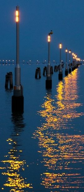 Light Sea Efilpera Venezia Italy #photos, #bestofpinterest, #greatshots, https://facebook.com/apps/application.php?id=106186096099420