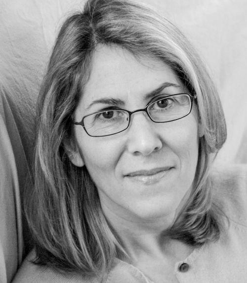 Elizabeth Lesser társalapítója és vezető tanácsadója az 1977-ben elindított Omega Intézetnek, mely (Rhinebeck, New York) a nemzetközileg elismert workshopok, holisztikus szakmai képzések, illetve az egészség-, pszichológia-, művészet- és a vallásgyakorlás színtere. Jelenleg a világ legnagyobb szellemi visszavonulás szentéje.