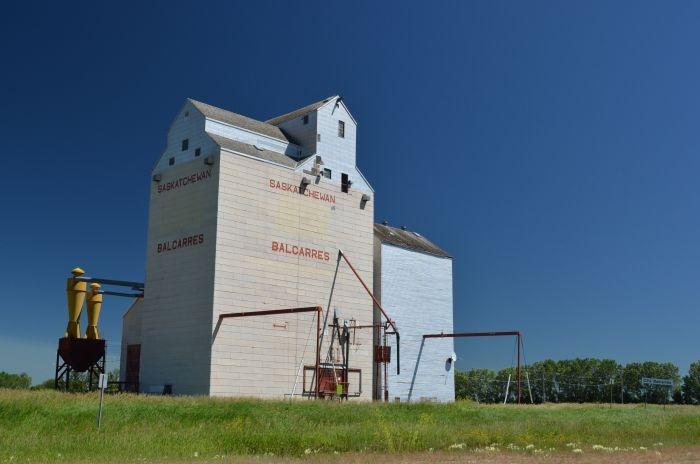Balcarres Grain Elevator - Grain Elevators - Sask Photos - SaskPhotos.ca
