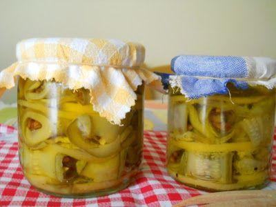 Dulcis in primis: Zucchine sott'olio con noci e limoni