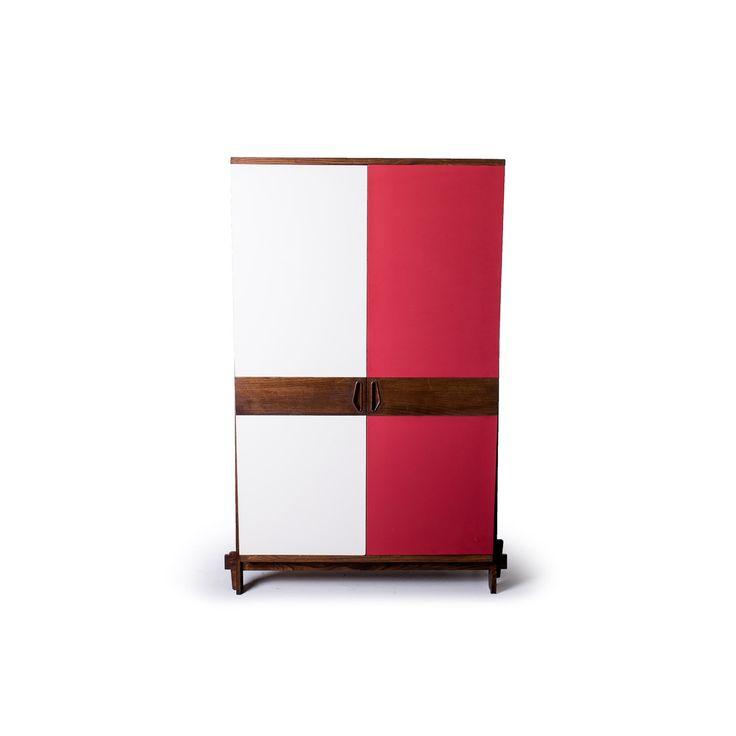 Armadio a 2 ante con appendini paese Italia anni 60 colori rosso avorio in legno e ante in laminato