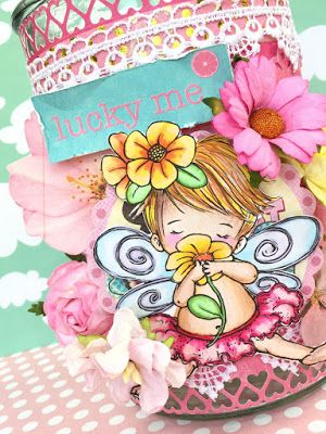 Słodziakowy, ozdobiony różowymi appierwmi i koronką słoik w sam raz do pokoju  małej dziewczynki. Scrapbooking ideas