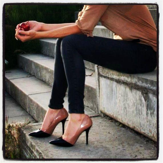 Carvela black & nude court heels