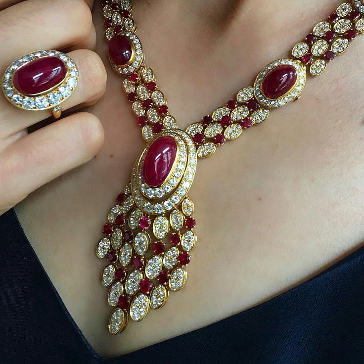 From the collection of Raine Countess Spencer, chic Van Cleef & Arpels necklace, earrings and ring. On 13 July Christie's King Street will offer for sale a selection of over 300 items including paintings, furniture, silver, handbags, dresses, jewellery and other categorises from the collection of Countess Spencer. @christiesjewels @christiesinc #christiesjewels #christiesinc #christies @vancleefarpels #ruby #diamond #necklace #ring #earrings #london