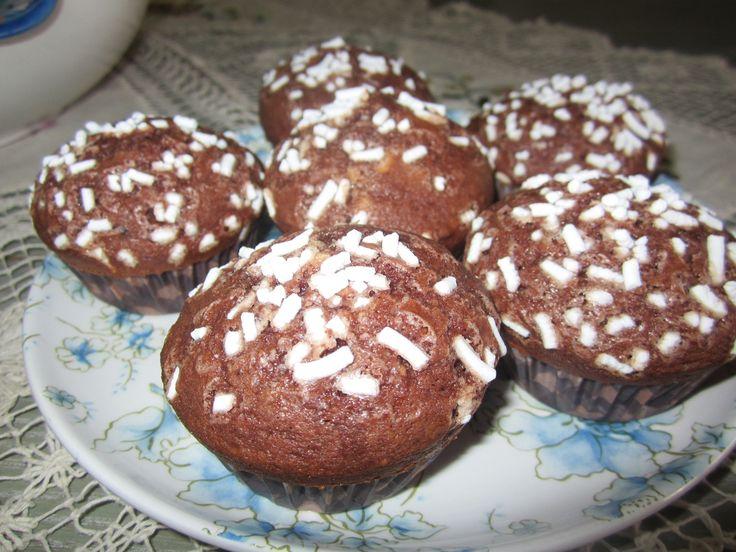 Ricetta muffins al cioccolato: imparate con la vostra Cicetta come realizzare questa semplice ricetta con tante foto e spiegazioni passo dopo passo.