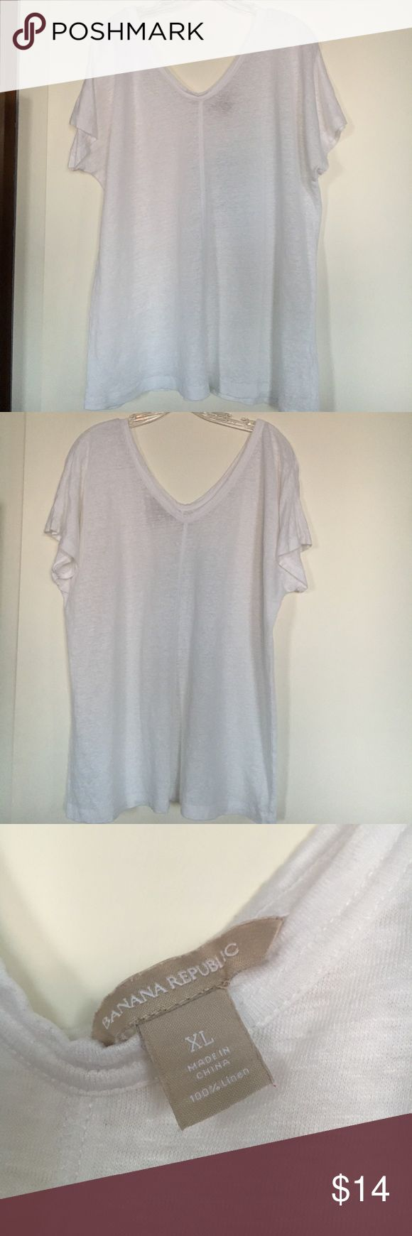 Banana Republic Linen t-shirt XL White linen t-shirt. Great condition. Short sleeves. Slouchy Banana Republic Tops Tees - Short Sleeve
