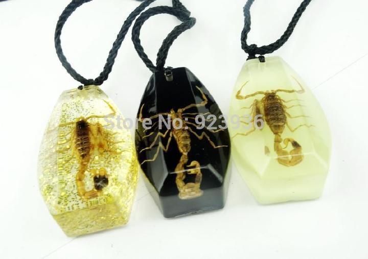Много Бесплатная Доставка 12 ШТ. Смешанные Много женская Мода Ювелирные Изделия Золотой Скорпион Янтарное Ожерелье Кулон