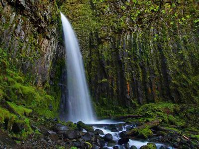Dry Creek Falls Hike; 4.4 miles out and back; 50 minutes from Portland
