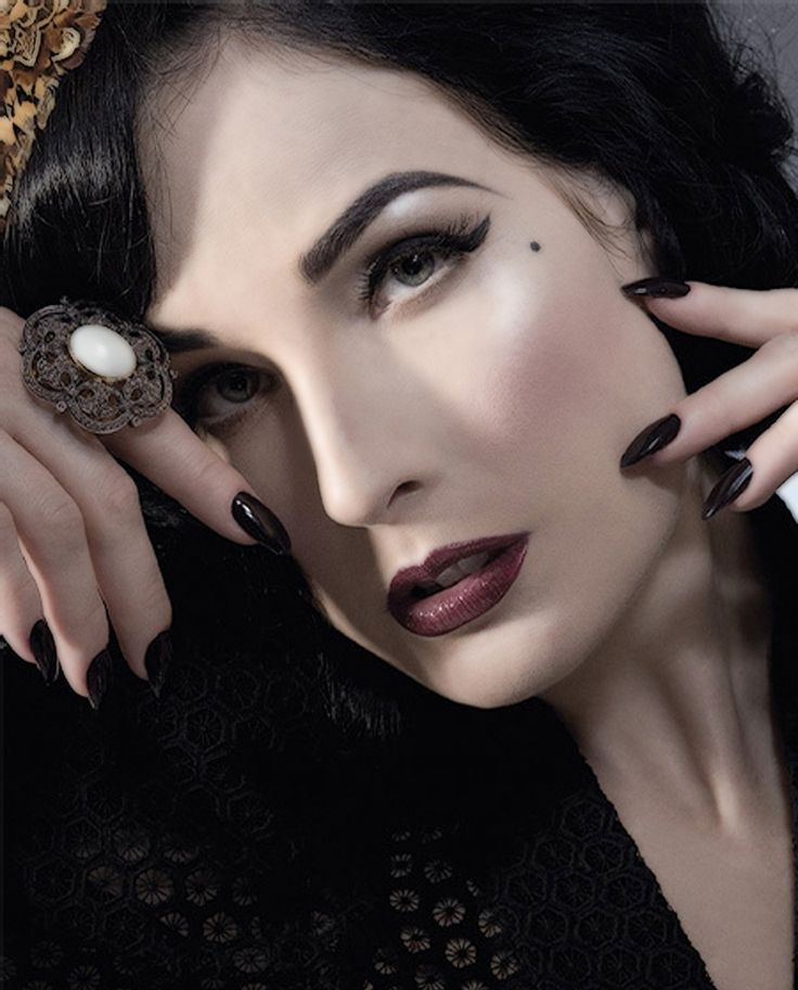dita: Hair Colors, Beautiful, Dita Von Tees Makeup, Makeup Looks, Pinup, Ditavonteese, People, Black, Dita Von Teese
