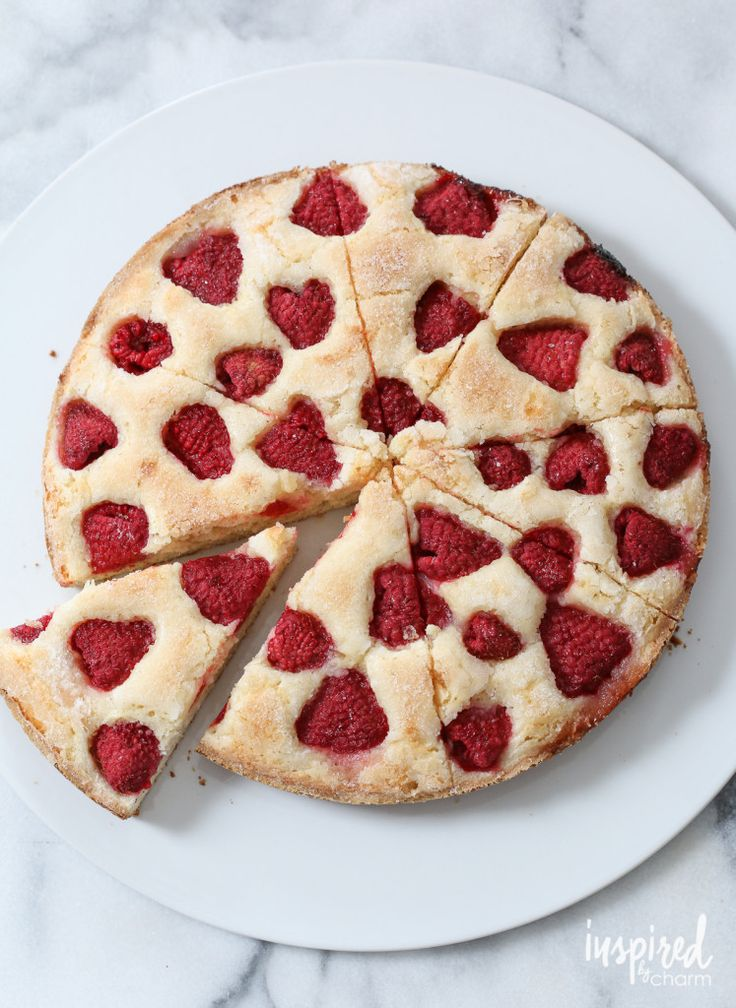 Raspberry Buttermilk Cake / easy cake recipe great for breakfast, afternoon treat, or dessert. Use your favorite berry.