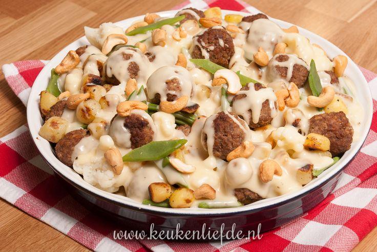 Bloemkool-ovenschotel met gehaktballetjes en kaassaus - Keuken♥Liefde