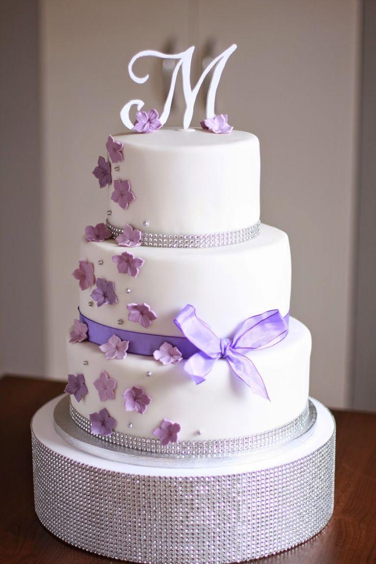 Feines Handwerk: Flieder lila Hochzeitstorte