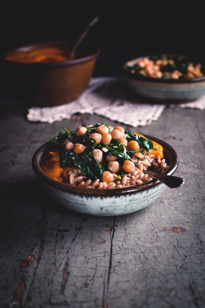 Kabocha Curry with Spinach, Chickpeas, & Farro: