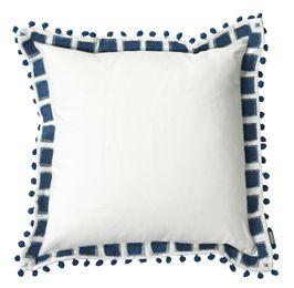 Vit kudde med blå mönstrade kanter. Ikaros
