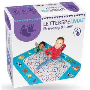Oefenen van letters op een speelse wijze. Een hele aantrekkelijke wijze om met kinderen de letters te oefenen.