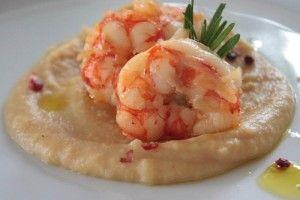 #food Crema di ceci con gamberi. Leggi il mio post su www.ideapesce.it/ricetta/crema-di-ceci-con-gamberi