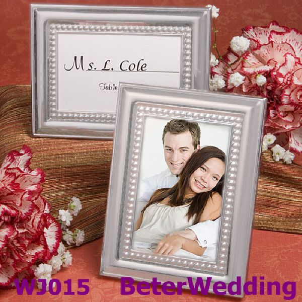 Frisado photo frame e titular do cartão lugar de recepção de casamento favores( prata)  BETER-WJ015/A       titular do cartão de casamento ; decoração do partido上海倍乐礼品Shanghai Beter Gifts ;  presentes nupciais #placecardholder #partyreception #cardholder #weddingdecoration  http://www.aliexpress.com/store/product/Honey-bee-Salt-and-Pepper-Shakers-5box-10pcs-TC019/512567_701222377.html