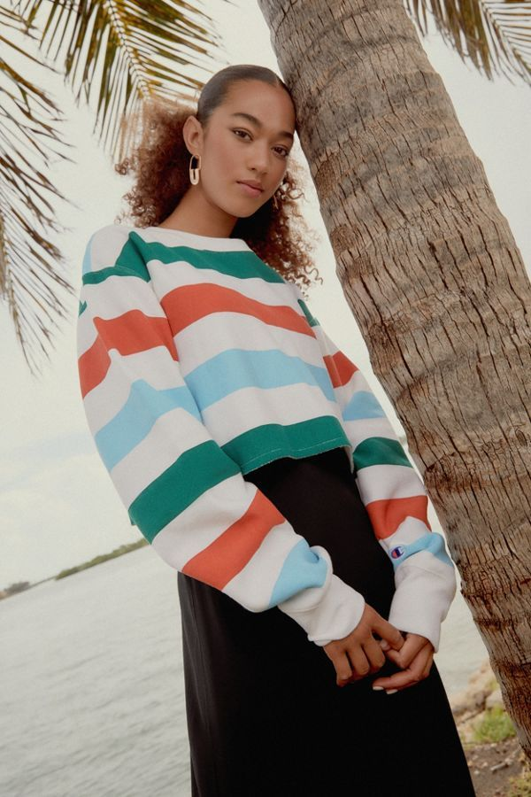 4100745b95ce45 Champion   UO Rainbow Stripe Cropped Sweatshirt in 2019