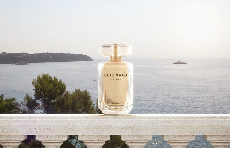 """Sun is at its zenith. Light-flooded, """"ELIE SAAB Le Parfum Eau de Toilette"""" reflects the sunbeams coming from the glistening sky."""