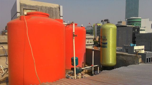 Filter Air Vittera VC4F atasi masalah air kuning, keruh, bau dan kontaminan lainnya dengan kapasitas 4000 liter/jam. Vittera VC4F biasa digunakan untuk kebutuhan kantor, gedung bertingkat, rumah sakit dan bagi yang membutuhkan solusi masalah air dengan kapasitas besar.