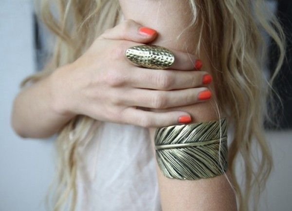 Coral nails & gold accents...um this BRACELET... #glitterguide