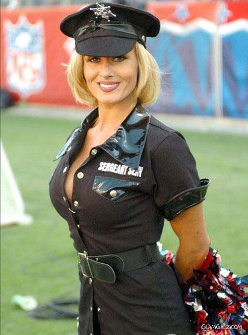 Miami Dolphins Nfl Cheerleader In Police Uniform For