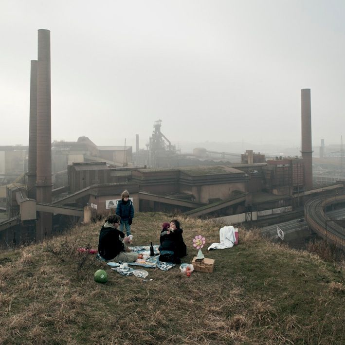 commovente:  'The World's Ugliest City' (Charleroi) by dutch photographer Wouter Schuddebeurs