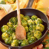 Découvrez la recette des choux de Bruxelles aux petits oignons