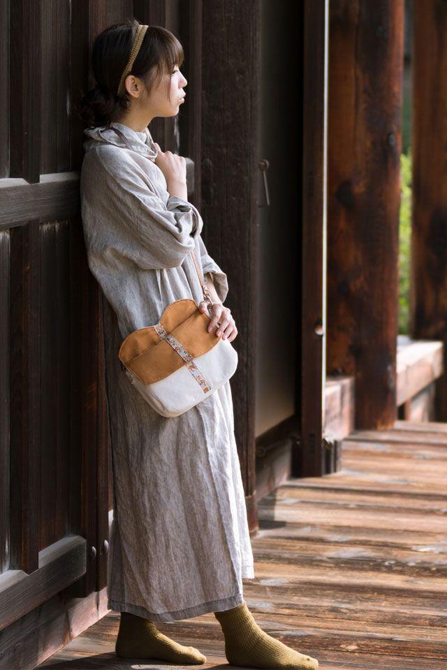 御朱印帳収納バッグ。お寺や神社が好きな女性のための「万葉人のポシェット」
