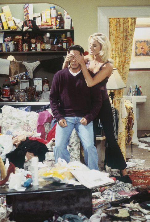 Ross dating messy girl