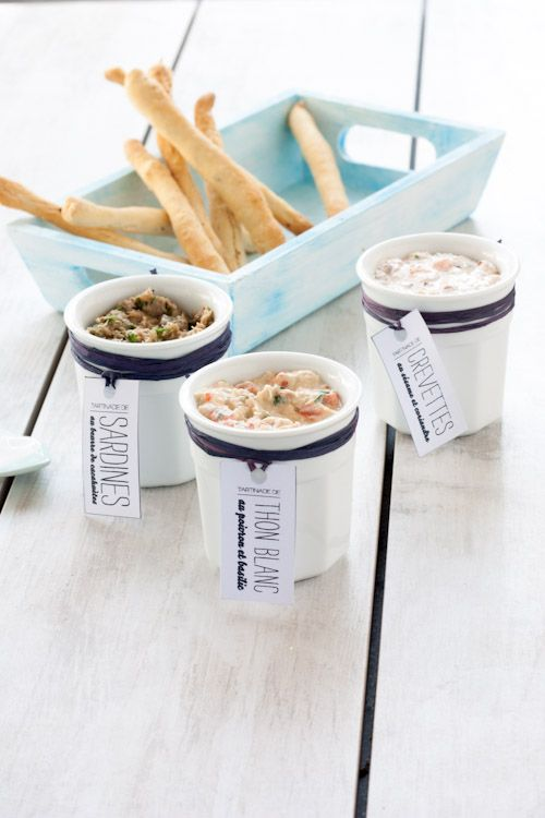 trilogies de tartinades marinières: - crevettes / sesame / coriandre - tomates / poivrons / basilic