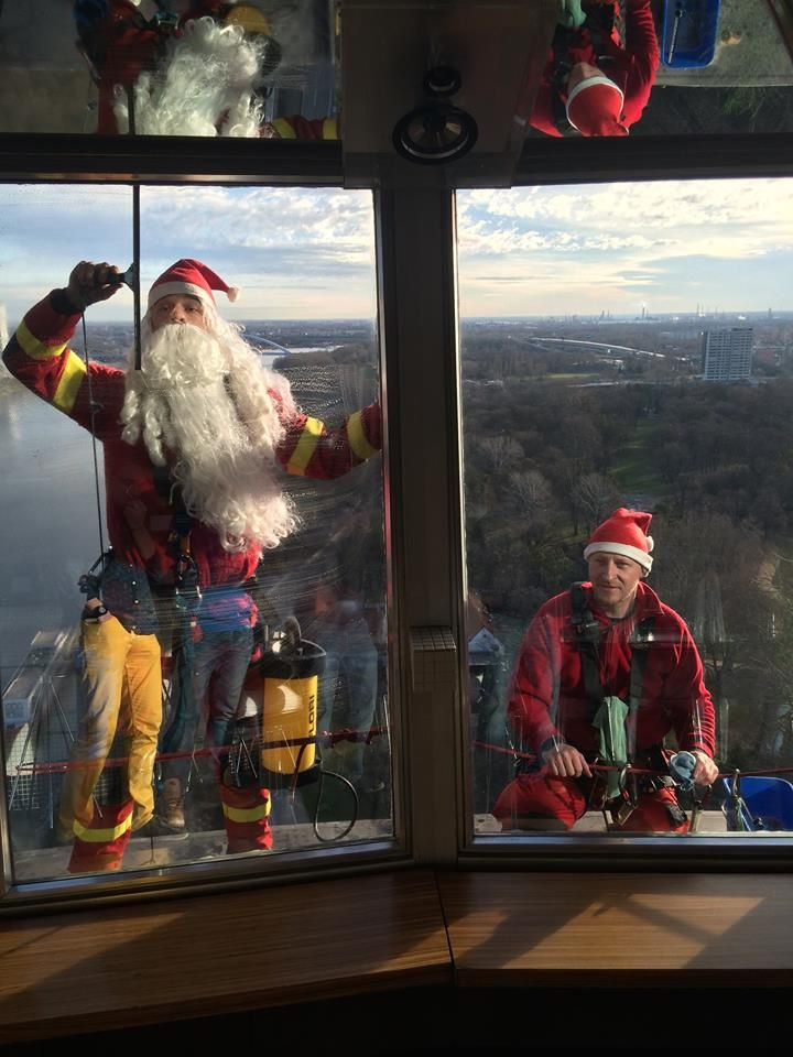 #christmas #cleaning #ufo #bratislava #slovakia