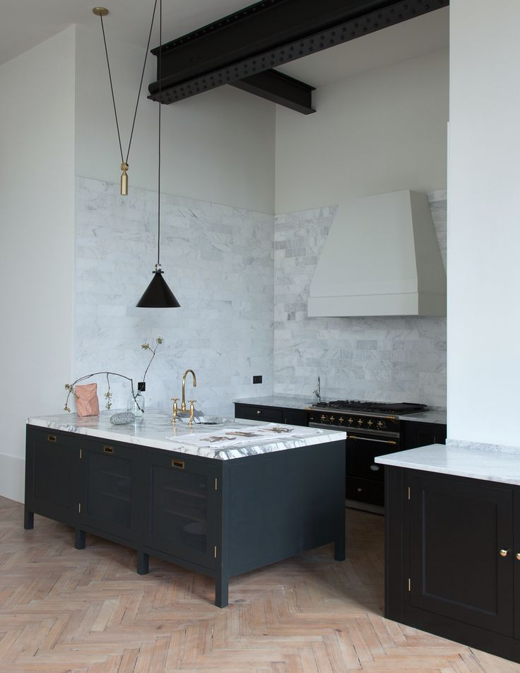 Plain English kitchen - remodelista.com